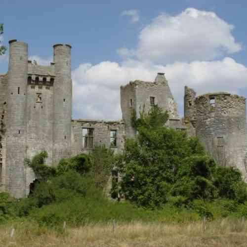 Vu Château de Passy-les-Tour - Varennes-les-Narcy ©CZwaenepoel
